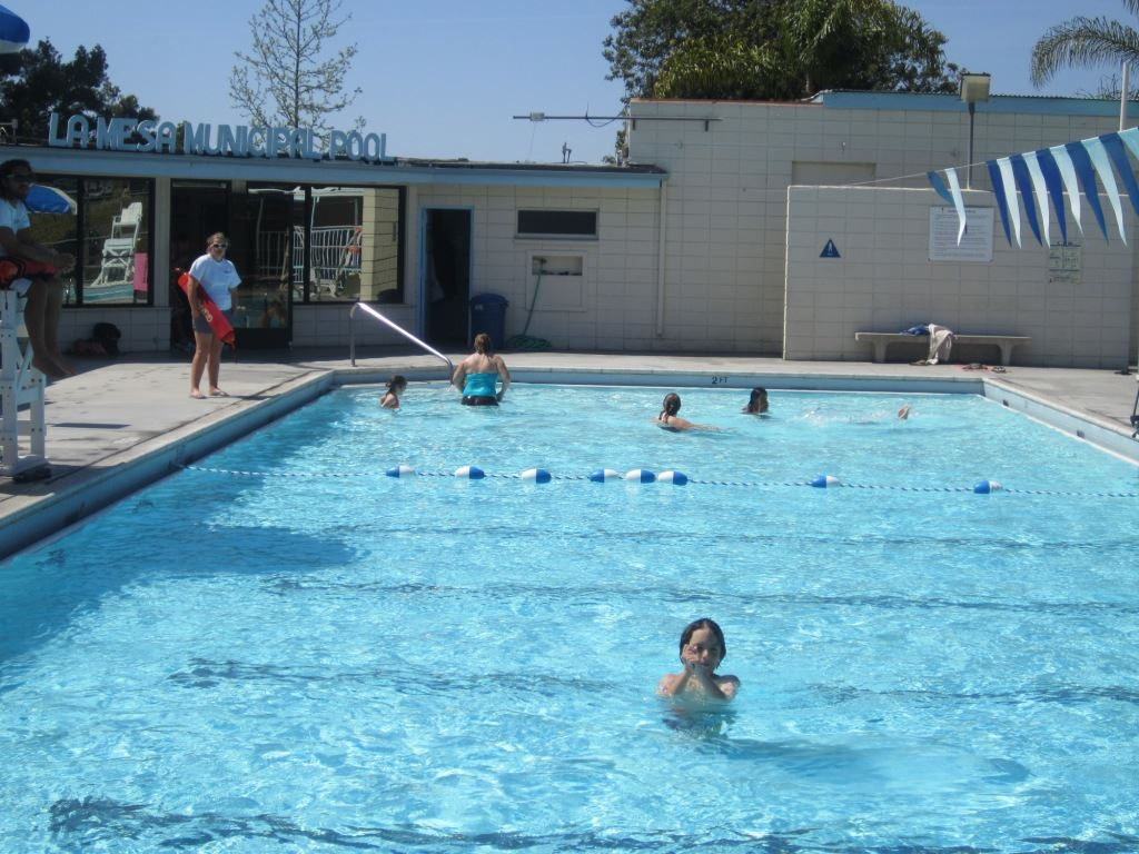 La Mesa Municipal Pool during the summer
